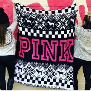 NWT PINK Victoria Secret Black & White Blanket